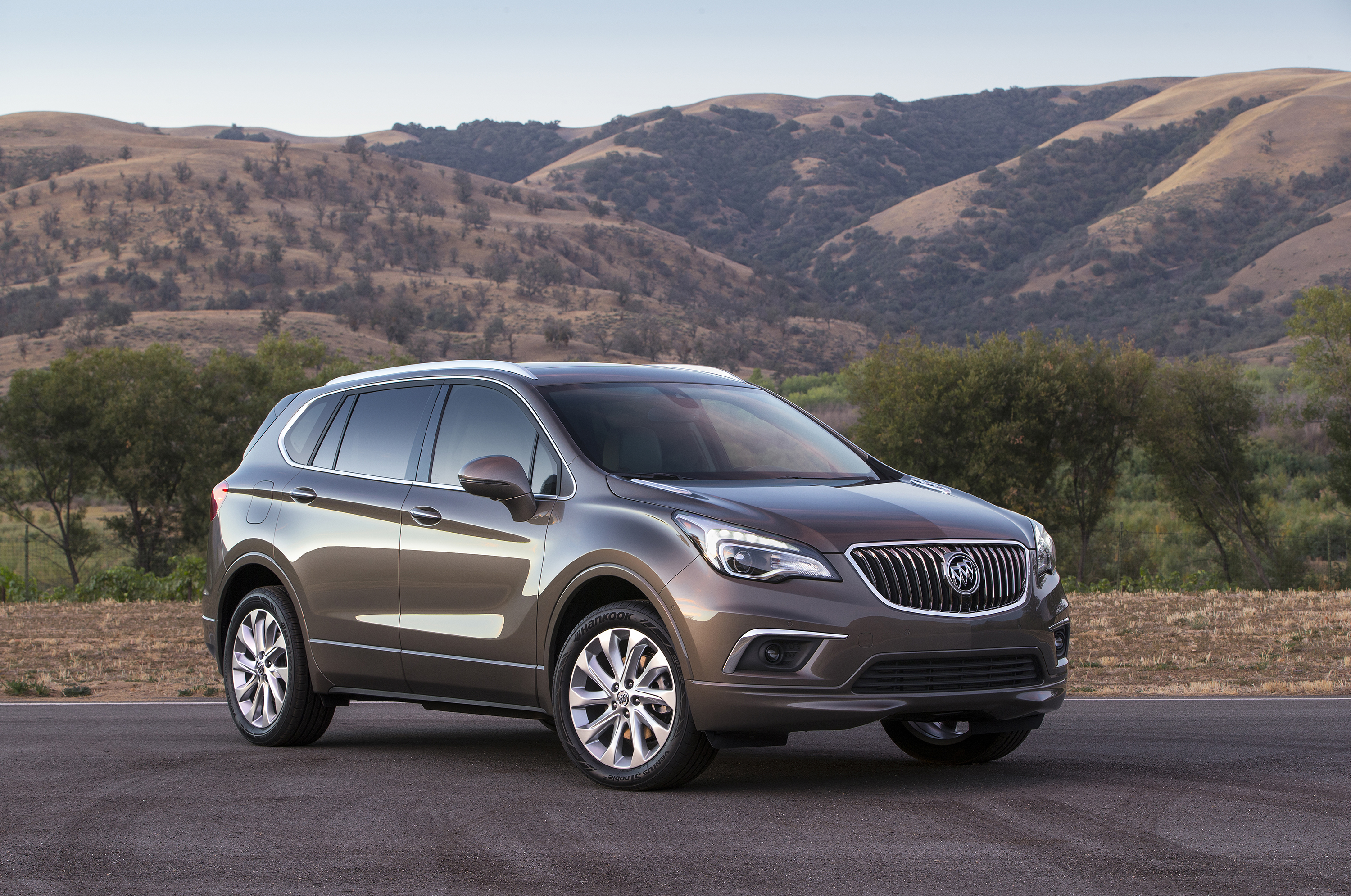 News Wire Buick Introduces Envision Luxury Crossover Ozzie Gm Glow Plug Wiring 2016 Front 3 4 General Motors