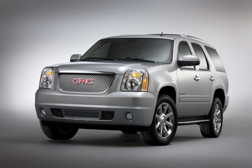 2013 GMC Yukon Denali front 3/4 driver side. © General Motors.